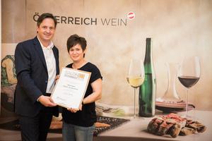 Weingut Klein Jacqueline, Präsident des österreichischen Weinbauverbandes NR Hannes Schmuckenschlager