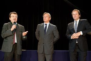 Urkundenübergabe SALON Baden, (v.l.n.r.) GF Willi Klinger, Dir. Edmund Gollubits (Grand Casino Baden), Mag. Oliver Kitz, (Casinos Austria)