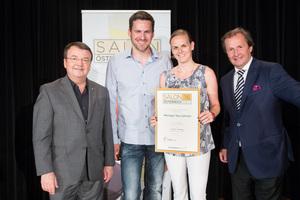 Weingut Iby-Lehrner, links: Geschäftsführer ÖWM Willi Klinger, rechts: Leiter Food & Beverage Casinos Austria Oliver Kitz