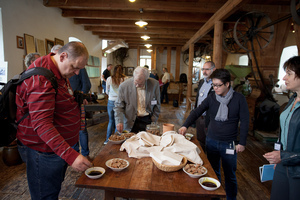 Weingipfel 2017: Guided tour with tasting of pumpkin seed oil followed by typically Styrian scrambled eggs as a perfect start to the day, Ölmühle Hartlieb, Heimschuh