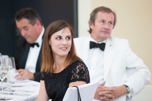 SALON Gala Dinner 2016, Apothekertrakt Schloss Schönbrunn28. Juni 2016 - Schlossquadrat Trophy Gewinnerin Nadine Schüller