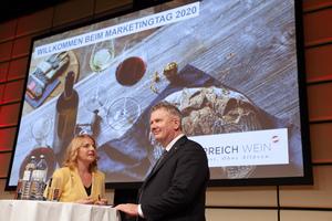 Moderatorin Birgit Perl und Chris Yorke (Geschäftsführer ÖWM)