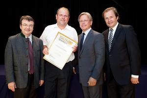 Weingut Hofstetter, links GF Willi Klinger, rechts Dir. Edmund Gollubits, Grand Casino Baden und Mag. Oliver Kitz, Casinos Austria