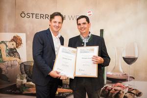 Weingut Ernst, Präsident des österreichischen Weinbauverbandes NR Hannes Schmuckenschlager