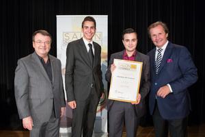 Weingut RF Frohner, links: Geschäftsführer ÖWM Willi Klinger, rechts: Leiter Food & Beverage Casinos Austria Oliver Kitz