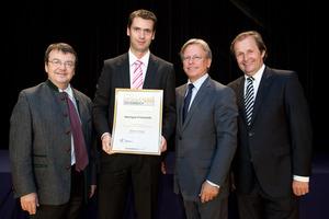 Weingut Frühwirth, links GF Willi Klinger, rechts Dir. Edmund Gollubits, Grand Casino Baden und Mag. Oliver Kitz, Casinos Austria