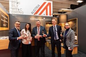 v.l.n.r. Rodolphe Lamayse, Vinexpo CEO; Carmen Augschöll, Chris Yorke, Michael Zimmermann, Irene Braunsteiner