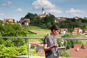 """Weingipfel 2015 - Lecture & Tasting: """"The Aromatics – Grauburgunder and Traminer"""" presented by: Luzia Schrampf, Winery Neumeister, Straden, Vulkanland Steiermark (Süd-Oststeiermark)"""