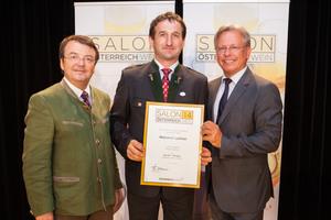 Weingut Leitner, links: Geschäftsführer ÖWM Willi Klinger, rechts: Direktor Casino Baden Edmund Gollubitz