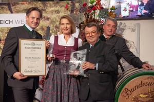 v.l.n.r.: Johannes Schmuckenschlager; Bacchuspreisträgerin 2019 Claudia Rossbacher; Willi Klinger; Werner Luttenberger