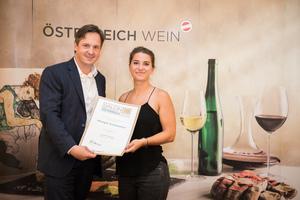 Weingut Schneeweiss, Präsident des österreichischen Weinbauverbandes NR Hannes Schmuckenschlager