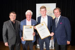 Weingut Rittsteurer links: Geschäftsführer ÖWM Willi Klinger, rechts: Leiter Food & Beverage Casinos Austria Oliver Kitz