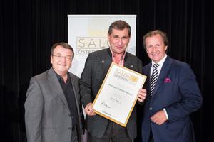 Weingut Bauer, links: Geschäftsführer ÖWM Willi Klinger, rechts: Leiter Food & Beverage Casinos Austria Oliver Kitz