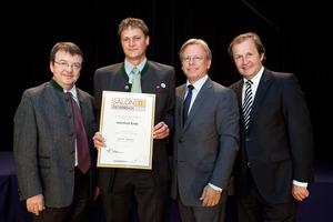 Weinhof Ehn, links GF Willi Klinger, rechts Dir. Edmund Gollubits, Grand Casino Baden und Mag. Oliver Kitz, Casinos Austria