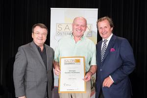 Weingut Michlits-Stadlmann, links: Geschäftsführer ÖWM Willi Klinger, rechts: Leiter Food & Beverage Casinos Austria Oliver Kitz
