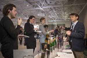 Interessierte Fachbesucher beim Austrian Tasting London