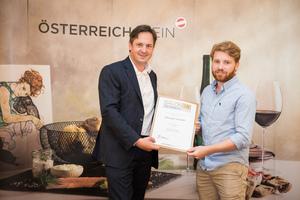 Weingut Hiedler, Präsident des österreichischen Weinbauverbandes NR Hannes Schmuckenschlager
