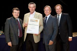 Weingut Erich Scheiblhofer, links GF Willi Klinger, rechts Dir. Edmund Gollubits, Grand Casino Baden und Mag. Oliver Kitz, Casinos Austria