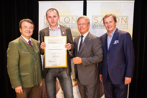 Weingut Nimmervoll, links: Geschäftsführer ÖWM Willi Klinger, rechts: Direktor Casino Baden Edmund Gollubitz, Leiter Food & Beverage Casinos Austria Oliver Kitz