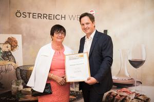 Weingut Weinwurm, Präsident des österreichischen Weinbauverbandes NR Hannes Schmuckenschlager