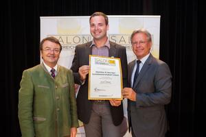 Weinbau & Heuriger Schüttkastenstüberl Urban,  links: Geschäftsführer ÖWM Willi Klinger, rechts: Direktor Casino Baden Edmund Gollubitz