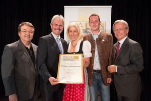 Weinbau & Heuriger Andre, links: Geschäftsführer ÖWM Willi Klinger & Landesrat Niederösterreich Karl Wilfing, rechts: Direktor Casino Baden Edmund Gollubitz
