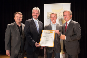 Weingut Familie Berger, links: Geschäftsführer ÖWM Willi Klinger & Landesrat Niederösterreich Karl Wilfing, rechts: Direktor Casino Baden Edmund Gollubitz