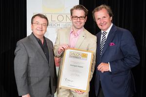 Weingut Höppler, links: Geschäftsführer ÖWM Willi Klinger, rechts: Leiter Food & Beverage Casinos Austria Oliver Kitz