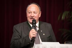 Weintaufe Österreich und Verleihung Bacchuspreis 2017 im Wiener Rathaus, Wien; ÖkR Dipl-Ing Herbert Schilling (VizePräs.lk-Wien)
