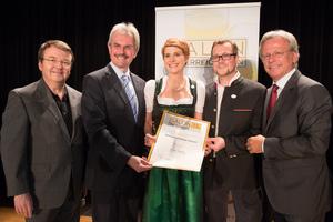 Winzerschlössl Kaiser, links: Geschäftsführer ÖWM Willi Klinger & Landesrat Niederösterreich Karl Wilfing, rechts: Direktor Casino Baden Edmund Gollubitz