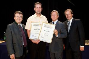 Weingut Sattler, links GF Willi Klinger, rechts Dir. Edmund Gollubits, Grand Casino Baden und Mag. Oliver Kitz, Casinos Austria