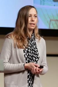 Sabine Bauer-Wolf (ÖWM) erläutert die Aktivitäten des Bereichs Kommunikation.