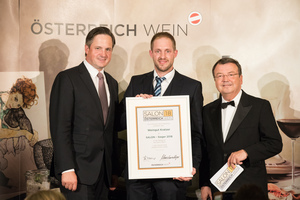 SALON 2018 Sieger: Weingut Kratzer (Bild Mitte), rechts: Geschäftsführer ÖWM Willi Klinger, links: Präsident des österreichischen Weinbauverbandes NR Hannes Schmuckenschlager