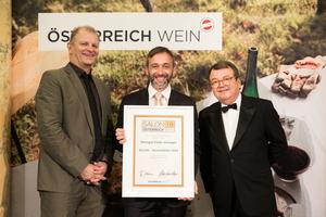 SALON 2019 Auserwählter: Weingut Feiler-Artinger (Bild Mitte), rechts: Geschäftsführer ÖWM Willi Klinger, links: Martin Kušej (Theaterregisseur, Opernregisseur und Intendant)