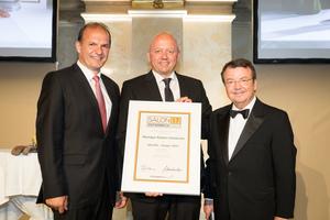 SALON 2017 Sieger: Weingut Robert Goldenits (Bild Mitte), rechts: Geschäftsführer ÖWM Willi Klinger, links: Vizepräsident der Landwirtschaftskammer Otto Auer