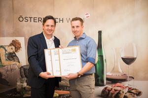 Weingut Kirchknopf, Präsident des österreichischen Weinbauverbandes NR Hannes Schmuckenschlager