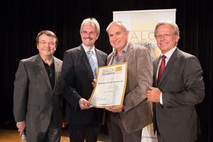 Weingut Winzer Krems eG, links: Geschäftsführer ÖWM Willi Klinger & Landesrat Niederösterreich Karl Wilfing, rechts: Direktor Casino Baden Edmund Gollubitz