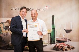 Weingut Rudi Salzl, Präsident des österreichischen Weinbauverbandes NR Hannes Schmuckenschlager