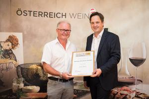 Weingut Bruckner Helmut, Präsident des österreichischen Weinbauverbandes NR Hannes Schmuckenschlager