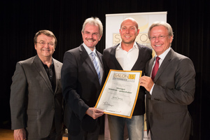 Weingut spaetrot-gebeshuber, links: Geschäftsführer ÖWM Willi Klinger & Landesrat Niederösterreich Karl Wilfing, rechts: Direktor Casino Baden Edmund Gollubitz