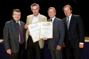 Weingut Scheiblhofer, links GF Willi Klinger, rechts Dir. Edmund Gollubits, Grand Casino Baden und Mag. Oliver Kitz, Casinos Austria