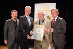 Winzerhorf Erber, links: Geschäftsführer ÖWM Willi Klinger & Landesrat Niederösterreich Karl Wilfing, rechts: Direktor Casino Baden Edmund Gollubitz