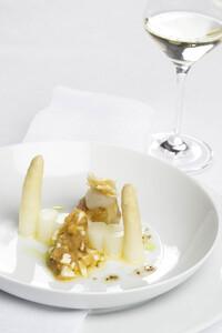 Spargel Polonaise mit Weißwein