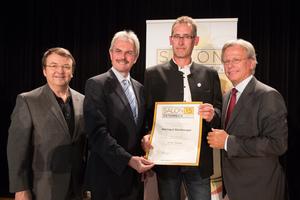 Weingut Reinberger, links: Geschäftsführer ÖWM Willi Klinger & Landesrat Niederösterreich Karl Wilfing, rechts: Direktor Casino Baden Edmund Gollubitz