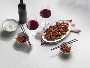 Sichuan Rindfleisch und Rotwein