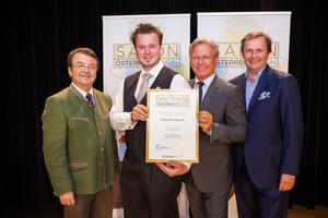 Weinhof Rauch, links: Geschäftsführer ÖWM Willi Klinger, rechts: Direktor Casino Baden Edmund Gollubitz, Leiter Food & Beverage Casinos Austria Oliver Kitz