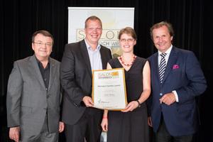 Weingut Familie Laurer, links: Geschäftsführer ÖWM Willi Klinger, rechts: Leiter Food & Beverage Casinos Austria Oliver Kitz