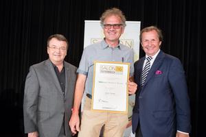 Weingut Norbert Bauer, links: Geschäftsführer ÖWM Willi Klinger, rechts: Leiter Food & Beverage Casinos Austria Oliver Kitz