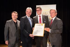 Weingut Oberschil, links: Geschäftsführer ÖWM Willi Klinger & Landesrat Niederösterreich Karl Wilfing, rechts: Direktor Casino Baden Edmund Gollubitz