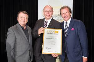 Weingut Peter Masser, links: Geschäftsführer ÖWM Willi Klinger, rechts: Leiter Food & Beverage Casinos Austria Oliver Kitz